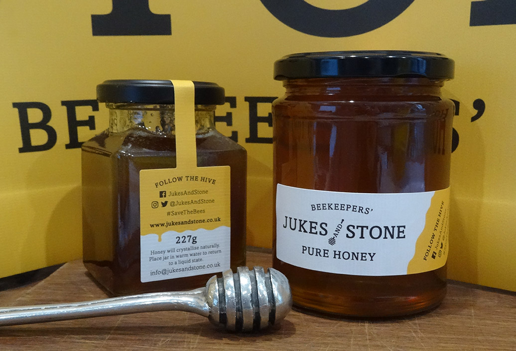 227g and 340g honey jars with honey dipper